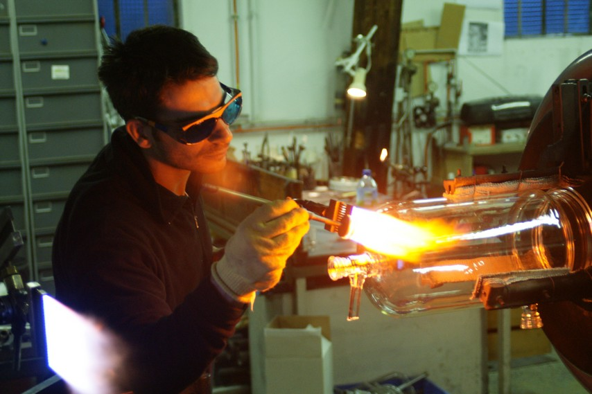 Industrial glassware repair, laboratory glassware shaping