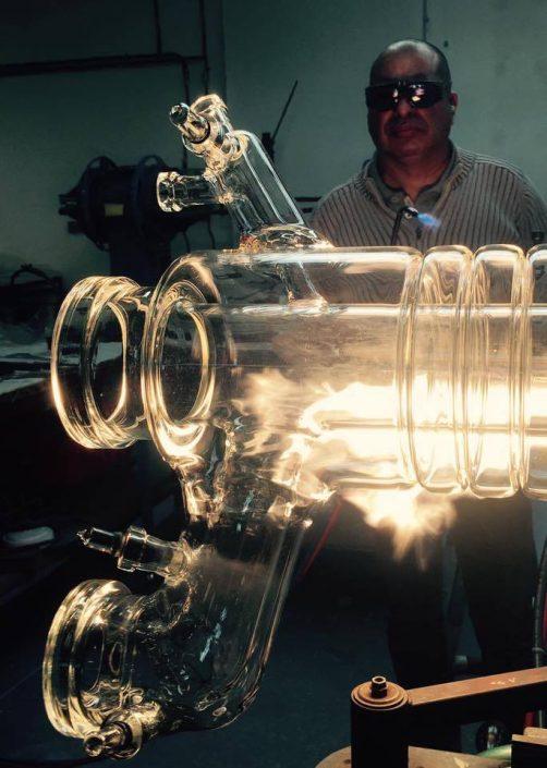 Fabricant de colonne adiabatique en verre